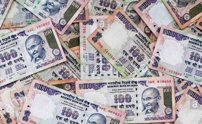 bundle of Rs.100 Note