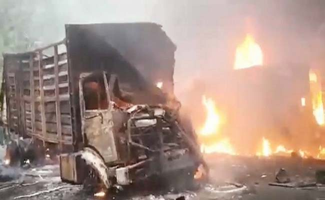 Bus Get burnt in Delhi