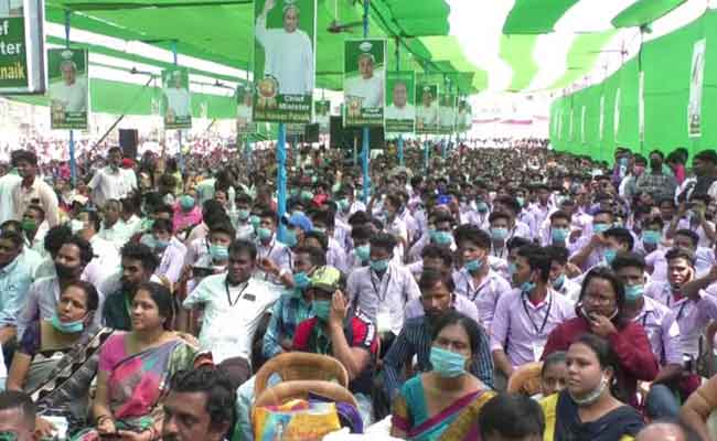 student gathered in bjd meeting