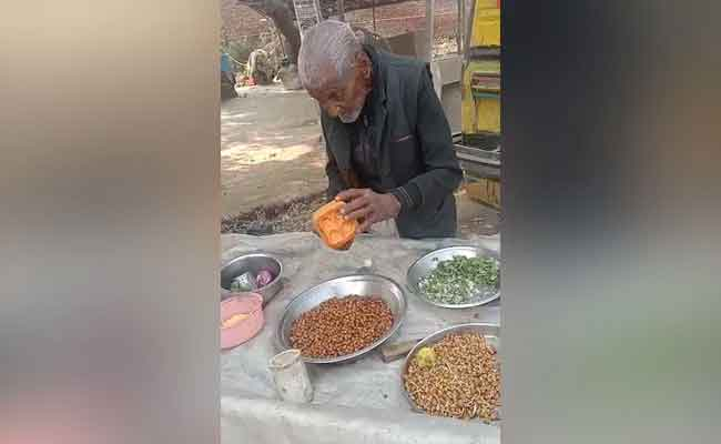 98-Year-Old Seen Selling Chana