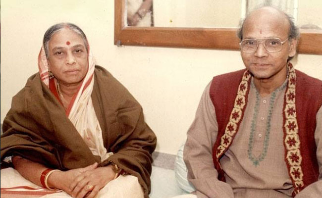 Late Kelucharan Mohapatra and his wife