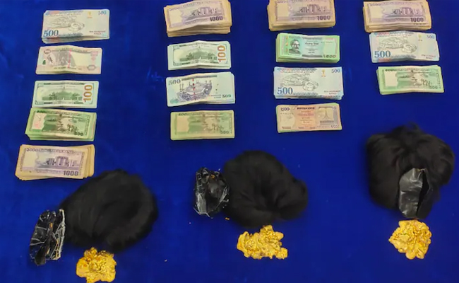 smuggling gold and foreign currency