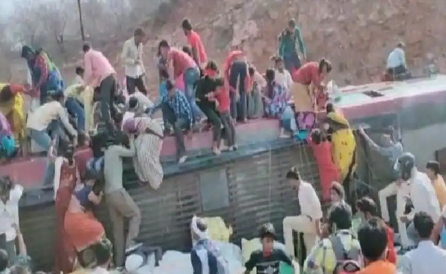 Bus Accident In tikamgarh