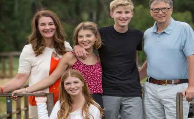 bill-gates-with-family