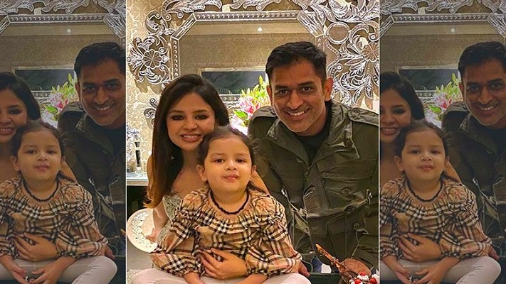Dhoni with his family