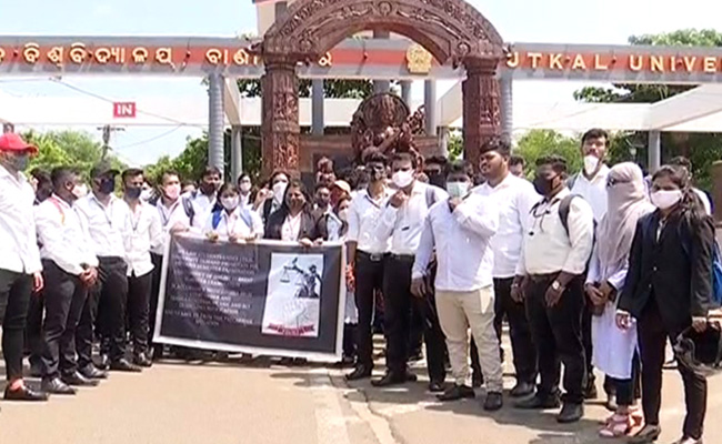 law students protest